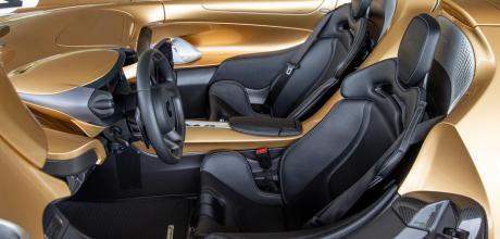 2022 McLaren Elva seats
